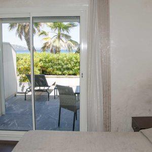 chambre-double-rdc-hotel-la-plage-sainte-maxime-1